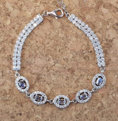 Exquisites Mondstein Armband - Schmuck