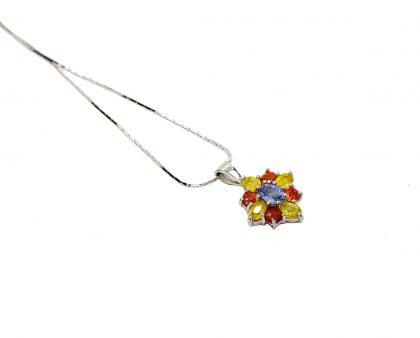 Blütenschmuck – Saphir Blüten Collier