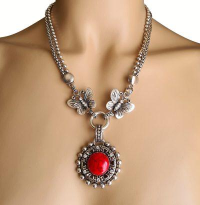 Handgefertigtes Collier mit rotem Türkis & Schmetterlingen Einzelstück Schmuck