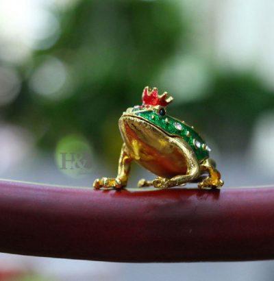 Schmuckfrosch mit Krone Schmuckbox Geschenkidee handgefertigt