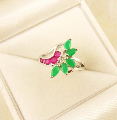 Rubin Smaragd Ring Sterlingsilber – vergoldet (Weißgold) Verlobungsring Schmuck