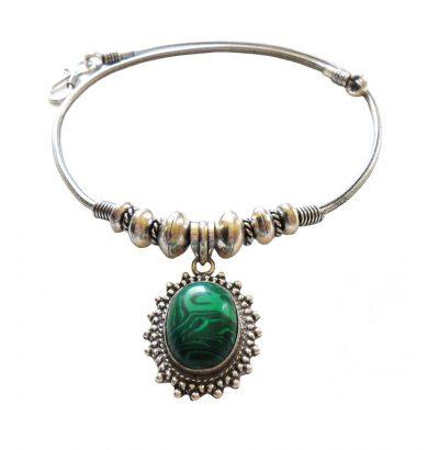 Halskette mit Malachit Anhänger versilbert Einzelstück Schmuck