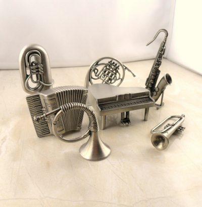 Miniatur Musikinstrumente aus Zinn Sammlerstücke